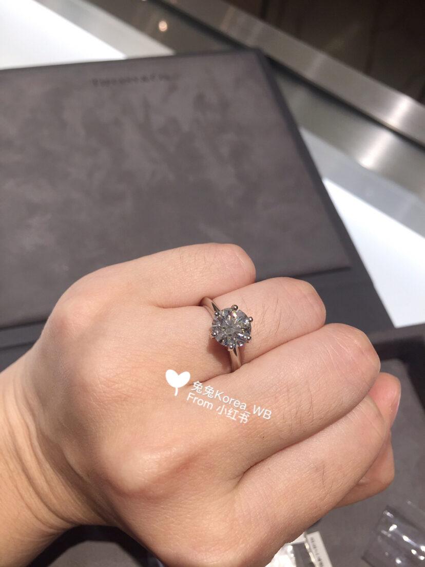 蒂芙尼六爪钻石戒指多少钱?蒂芙尼一克拉多少钱_手机网易网