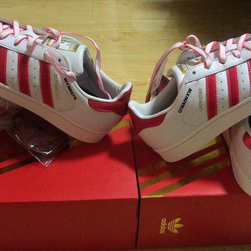 Adidas三叶草 贝壳头