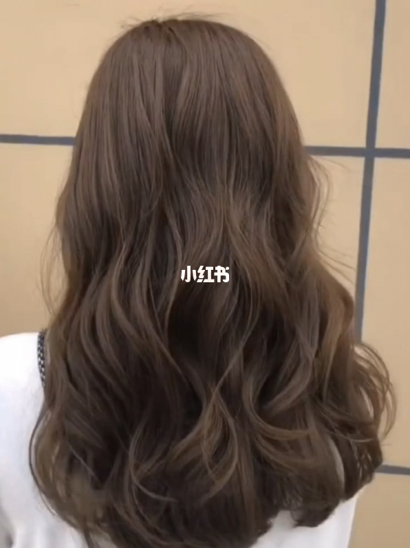 昆明染发昆明接发昆明美发店昆明发型中长发女生不能错过的烫发发型