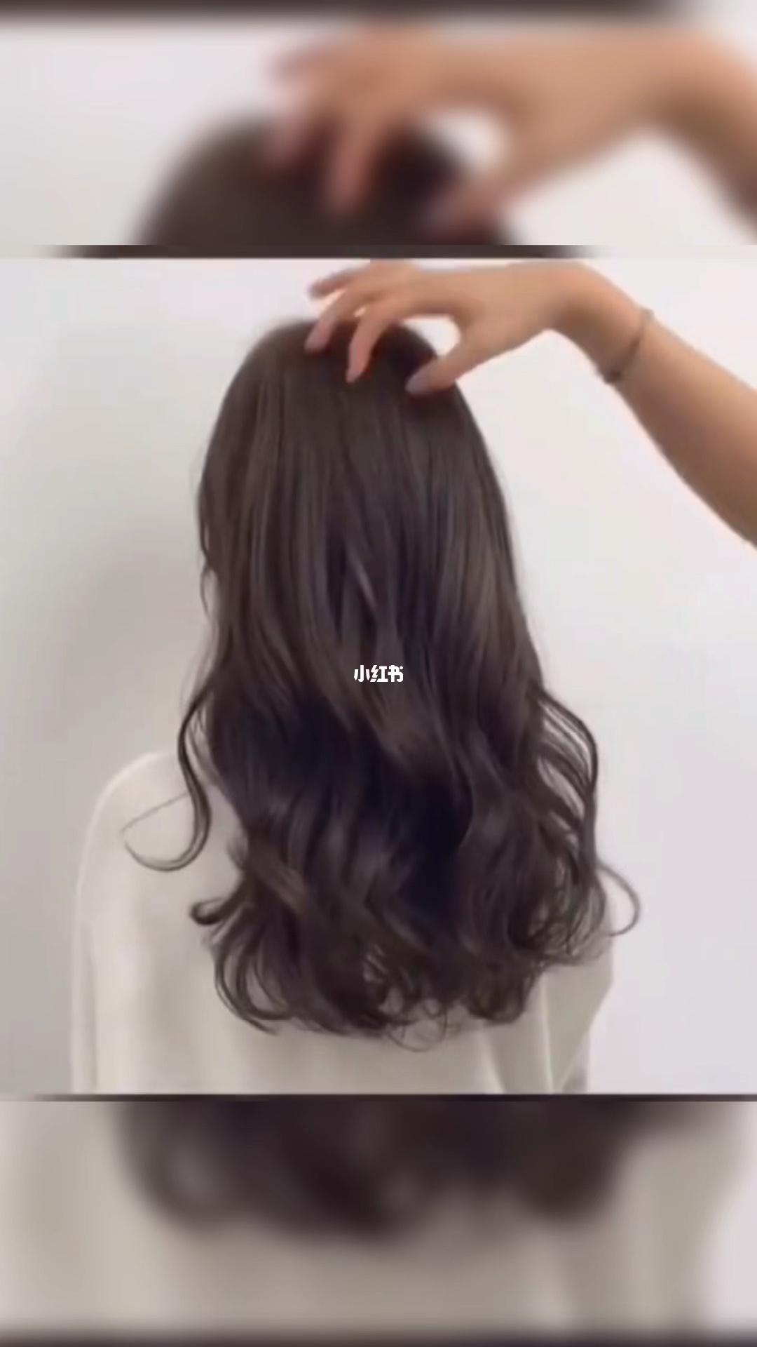 中长发女孩不能错过的木马卷发型昆明烫发_烫发_发型