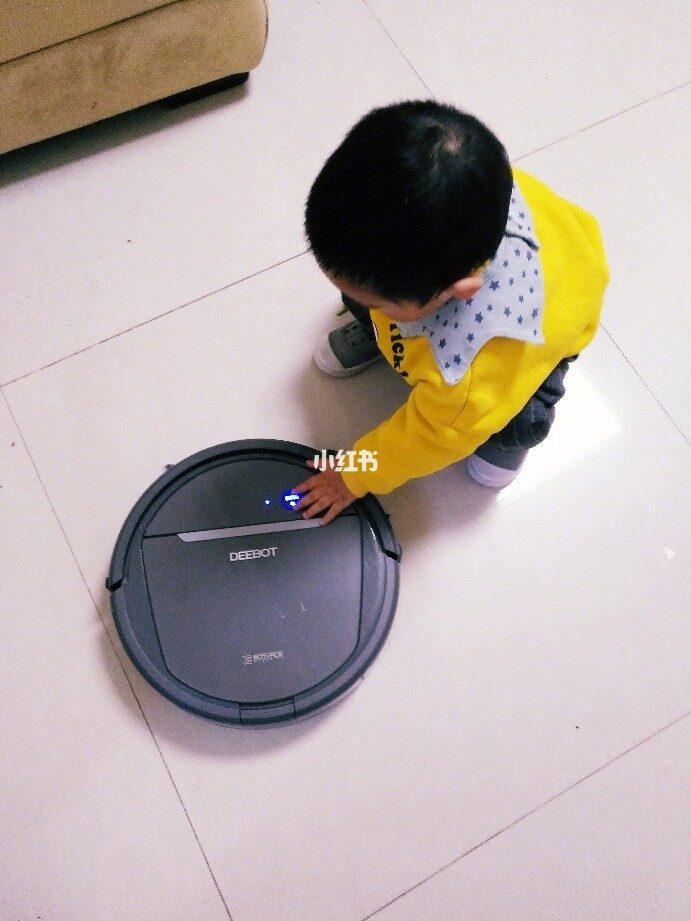 家有宝宝老人必备测评科沃斯和小米扫地机器人