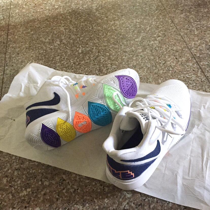 Kyrie5欧文5笑脸篮球鞋