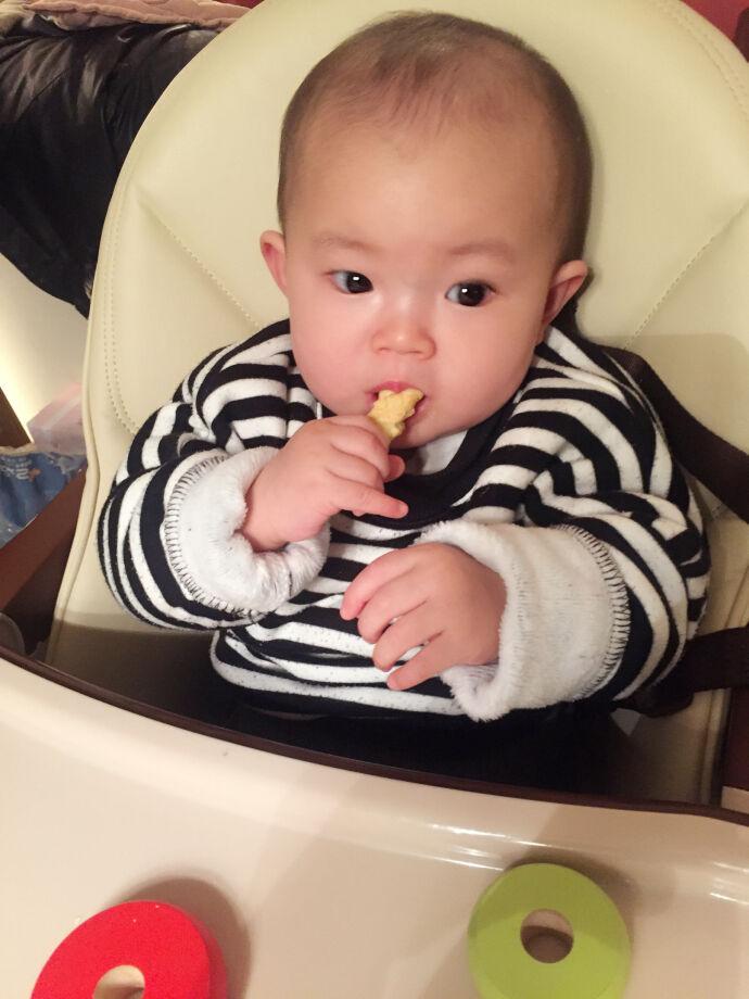 #如何让宝宝独立自主吃饭#辅食必备工具#