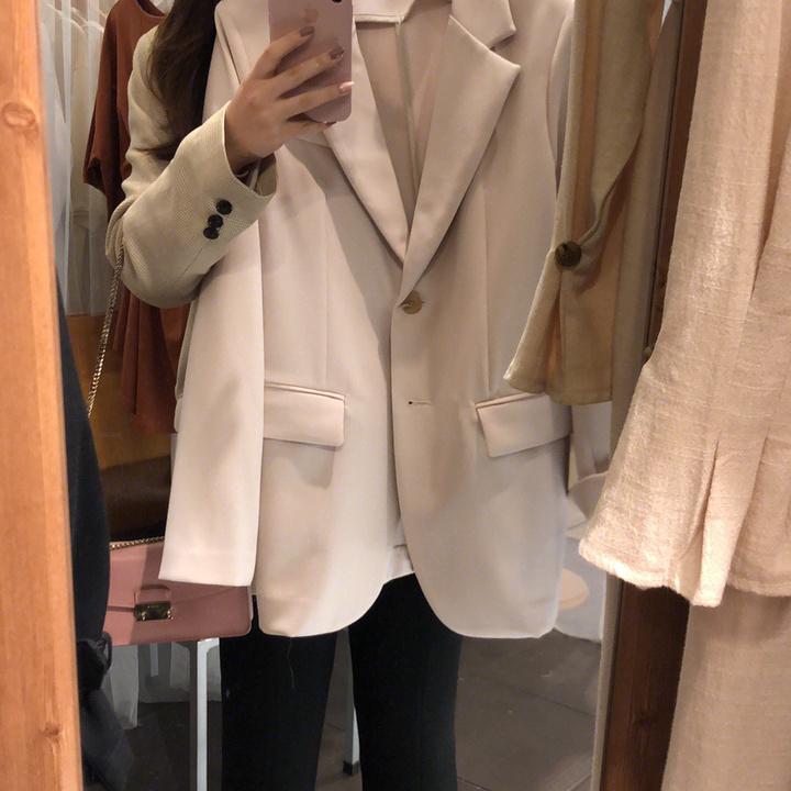 空箱去韩国去最本地的小店扫一季的衣服回来